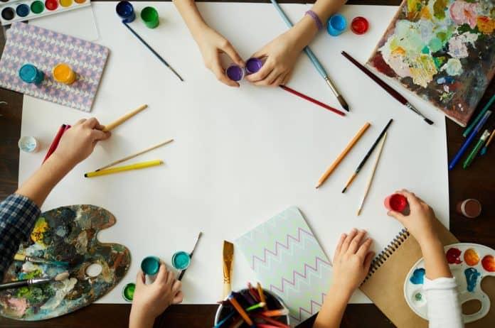 kreativnost, kreativnost kod dece, mašta, dečija mašta, interesovanja, roditeljstvo, kako odgajati kreativno dete