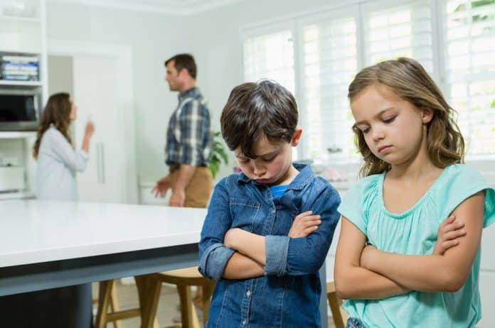 razvod, deca, svađanje, roditeljstvo, konflikti, rastajanje, vaspitanje, depresija, tuga, bol