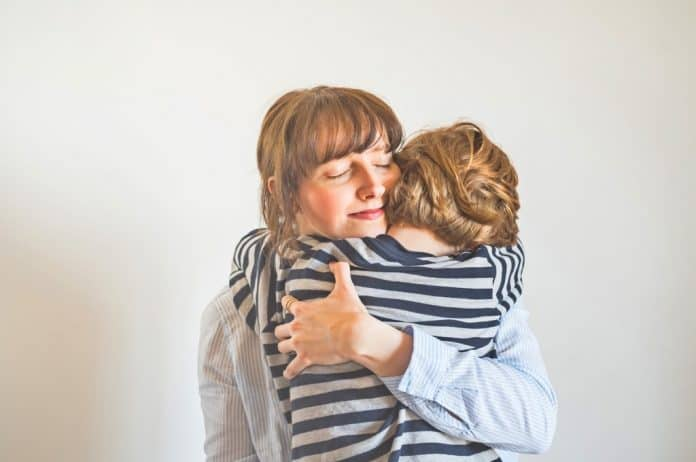 dete, detinjstvo, roditeljstvo, ljubav, podrška, sigurnost, pomoć detetu