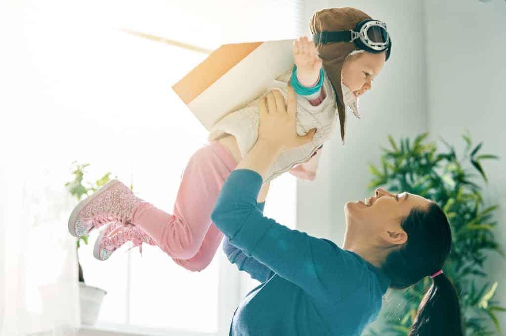 deca, poklon, praznici, roditeljstvo, igra, kreativnost, učenje kroz igru, rast i razvoj