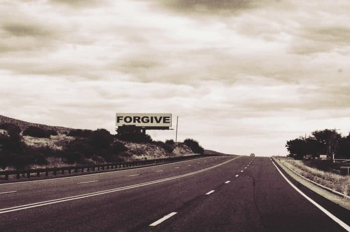Autorski članak, osveta, kivnost, osvetoljubivost, praštanje, oproštaj, izvinjenje, eksperiment, studija, ruminacija, agresija, bes