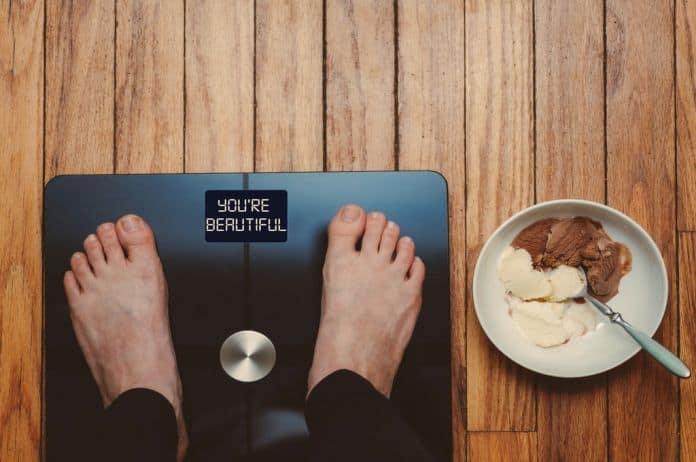 poremećaj ishrane, poremećena ishrana, anoreksija, bulimija, prejedanje, ishrana, intuitivna ishrana, telo, izgled, fizički izgled, saosećanje, samosaosećanje, perfekcionizam, zdrava ishrana, oporavak, savršenstvo, restrikcije,