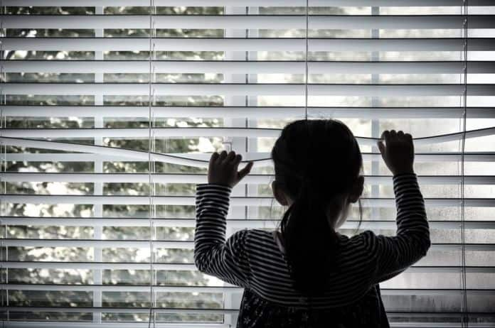 detinjstvo, loše detinjstvo, bolno detinjstvo, trauma, traume iz detinjstva, traumatično detinjstvo, roditelji, deca, ljubav, uspeh, neuspeh, sreća, radost, tuga, bol