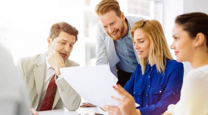 poslovni sastanak, posao, sastanak, karijera, ambicija, napredak, napredovanje, govor, govornik, anksioznost, osetljjivost, pritisak, stres, samopouzdanje, mišljenje,